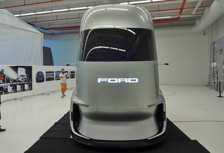 Ford F-Vision heroic detailing pasta cila uygulaması